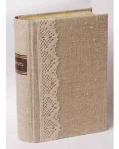 Raamattu Pitsi, Kultasyrjä ja reunahakemisto